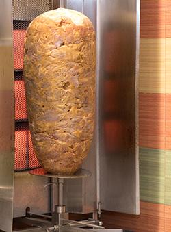 Il Kebab pronto per la tipica cottura